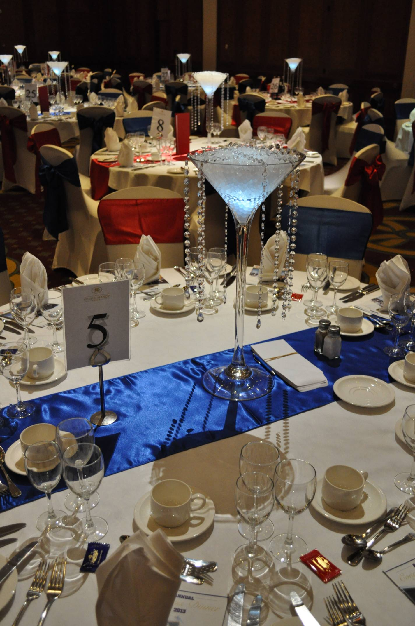 Crystal centrepiece set up