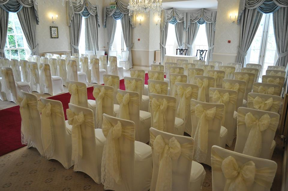Ivory Taffeta / Lace overlay set up